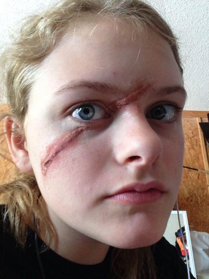 Как сделать шрамы на лице в домашних условиях
