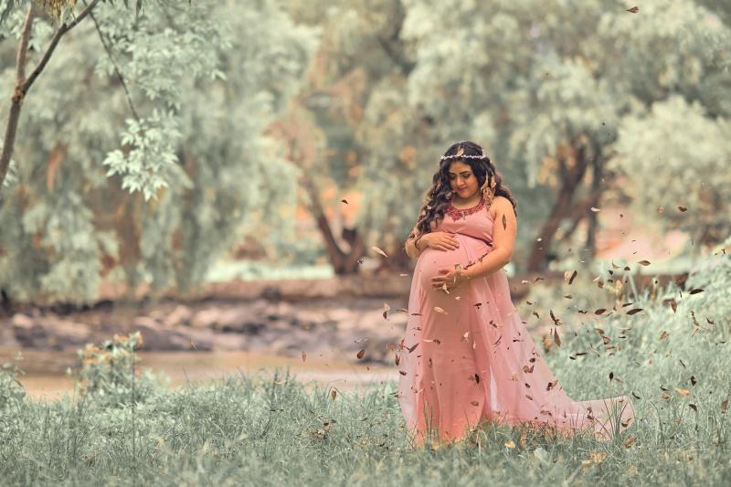 Можно ли загорать беременным на поздних сроках. Можно ли беременным загорать и купаться? Почему долгое пребывание под солнцем опасно для беременных женщин