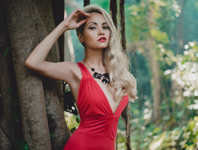 Макияж под красное платье на выпускной