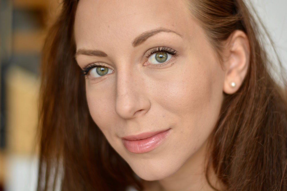 красивый легкий летний макияж для зеленых глаз фото