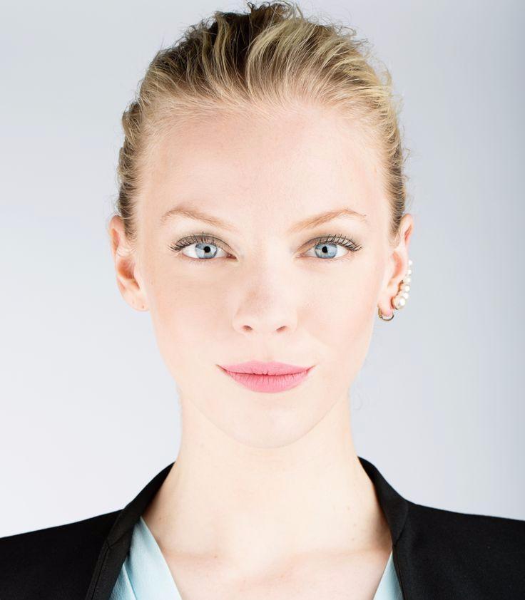 деловой макияж для голубых глаз