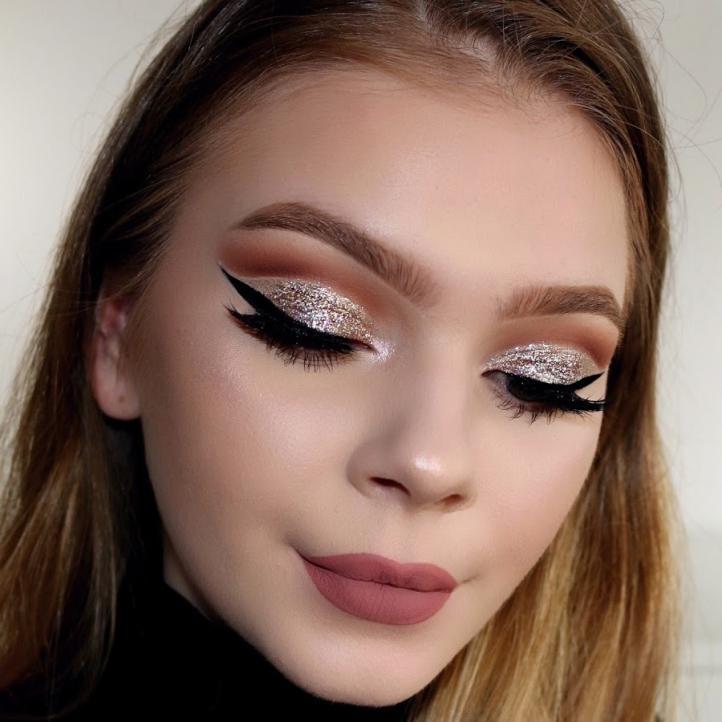 макияж для глаз с блестками