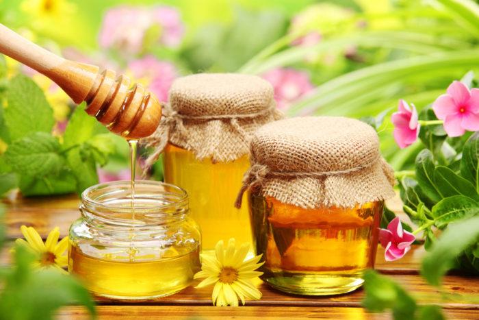 Как правильно делать медовый массаж от целлюлита