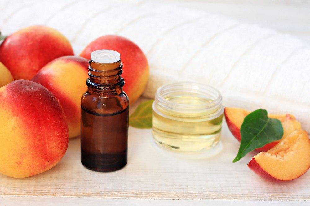 Персиковое масло для лица для кожи вокруг глаз thumbnail