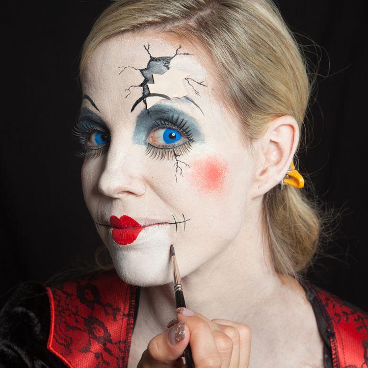 Как сделать макияж куклы на хэллоуин