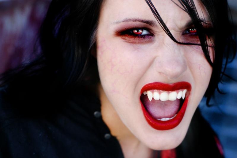 Как сделать макияж вампира на хэллоуин