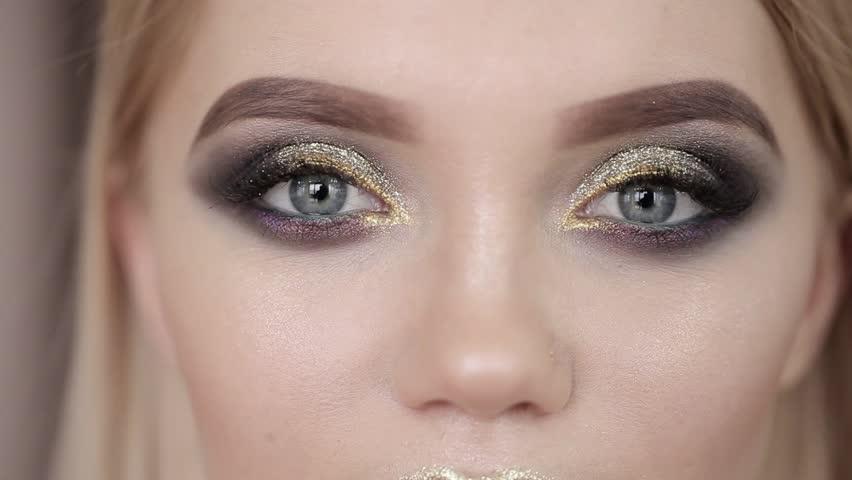 Макияж на Новый год для серых глаз