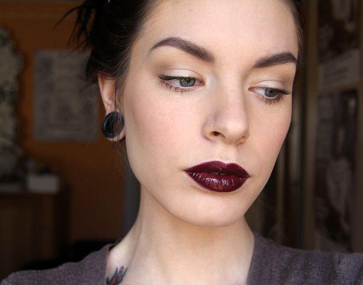 Модный зимний макияж губ 2017