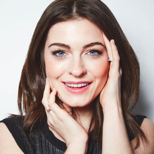 Зимний макияж для серых глаз