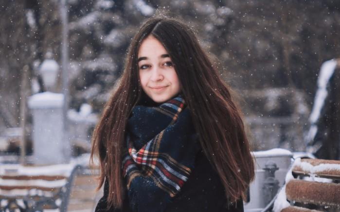 Уход за жирными волосами зимой в домашних условиях