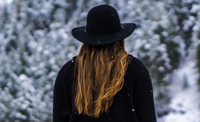 Зимний уход за сухими волосами