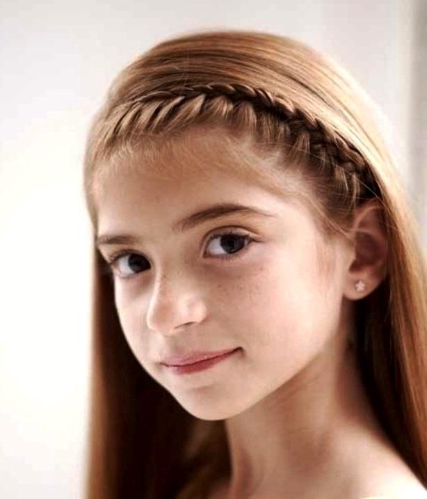 Прически с распущенными волосами в школу для девочек